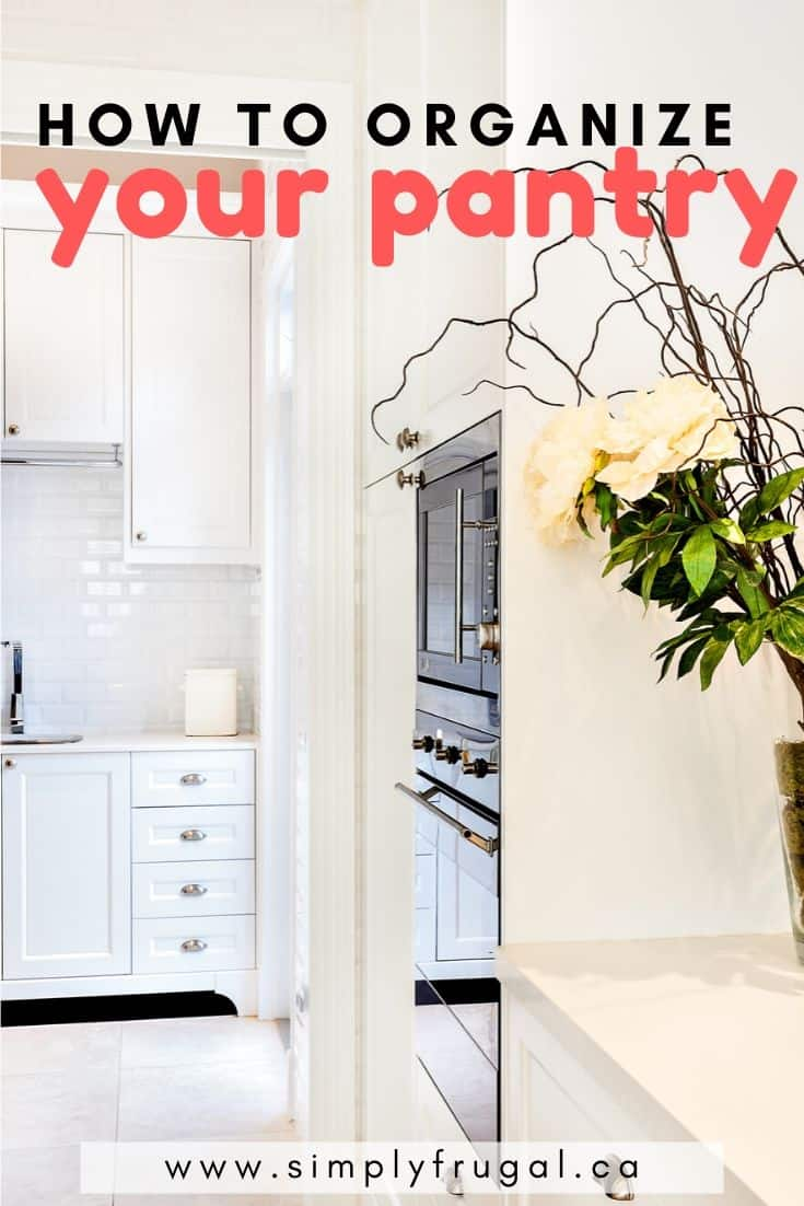 This is a fabulous round-up of pantry organization ideas! There's something for everyone! Small space ideas, free pantry organization printables and more. #organize #pantry #printables #pantryorganization #organizingideas
