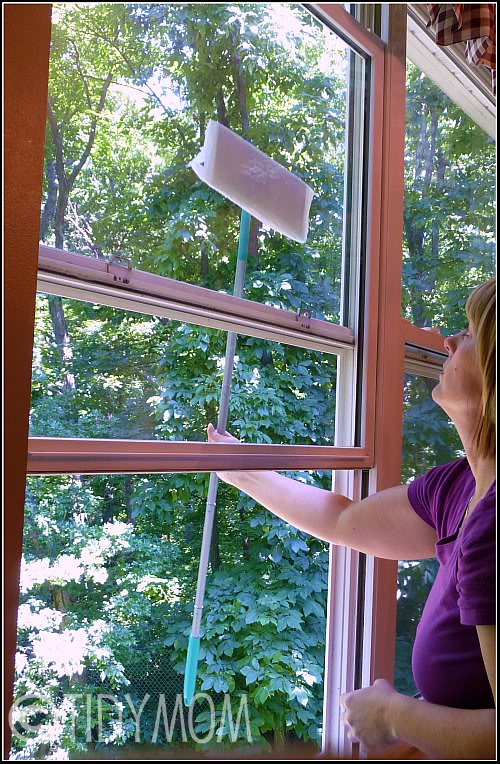 Easy window cleaning tip from TidyMom.net