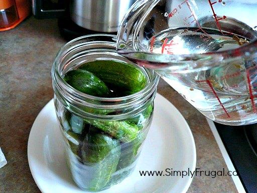 pickle juice pour