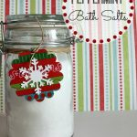 A Homemade Christmas Gift: Homemade Bath Salts
