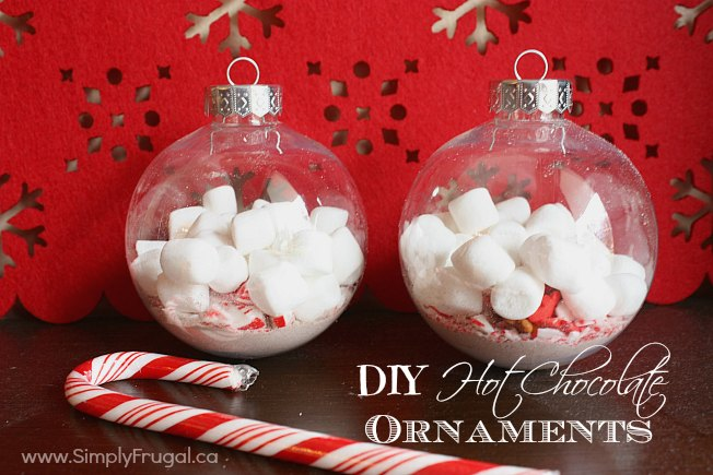 These hot chocolate ornaments would make a great hostess gift or an addition to any gift!