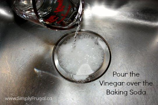 drain vinegar