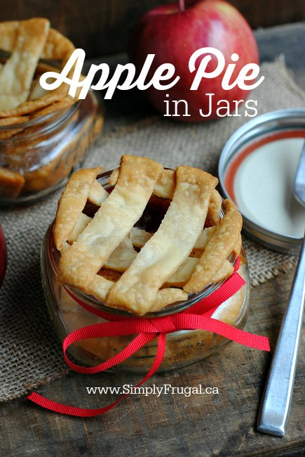 The idea of having the perfect personal portion of apple pie to pop into the oven is so awesome to me!  I give you...Mini apple pie in jars!