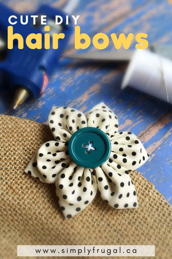 These are the cutest hair bows for any age! They're so simple to make and whip up in no time flat. #hairbows #hairclips #DIY