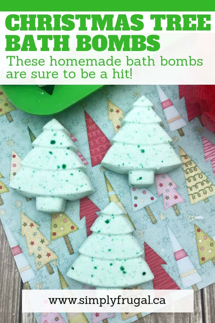 These Christmas Tree bath bombs can be made in just a few minutes even by beginners and deliciously scented! #bathbombs #diybeauty